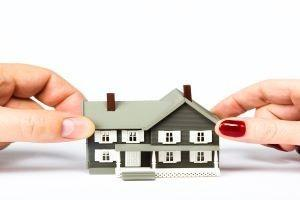 divorce-and-split-of-assets-157422180-5b83da86c9e77c0050a77252